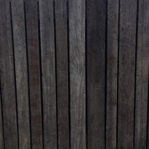 Robuust-Barnwood-schutting-azobe-oude-scheepsplank-en