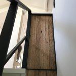 Trapleuning van staal en eiken barnwood