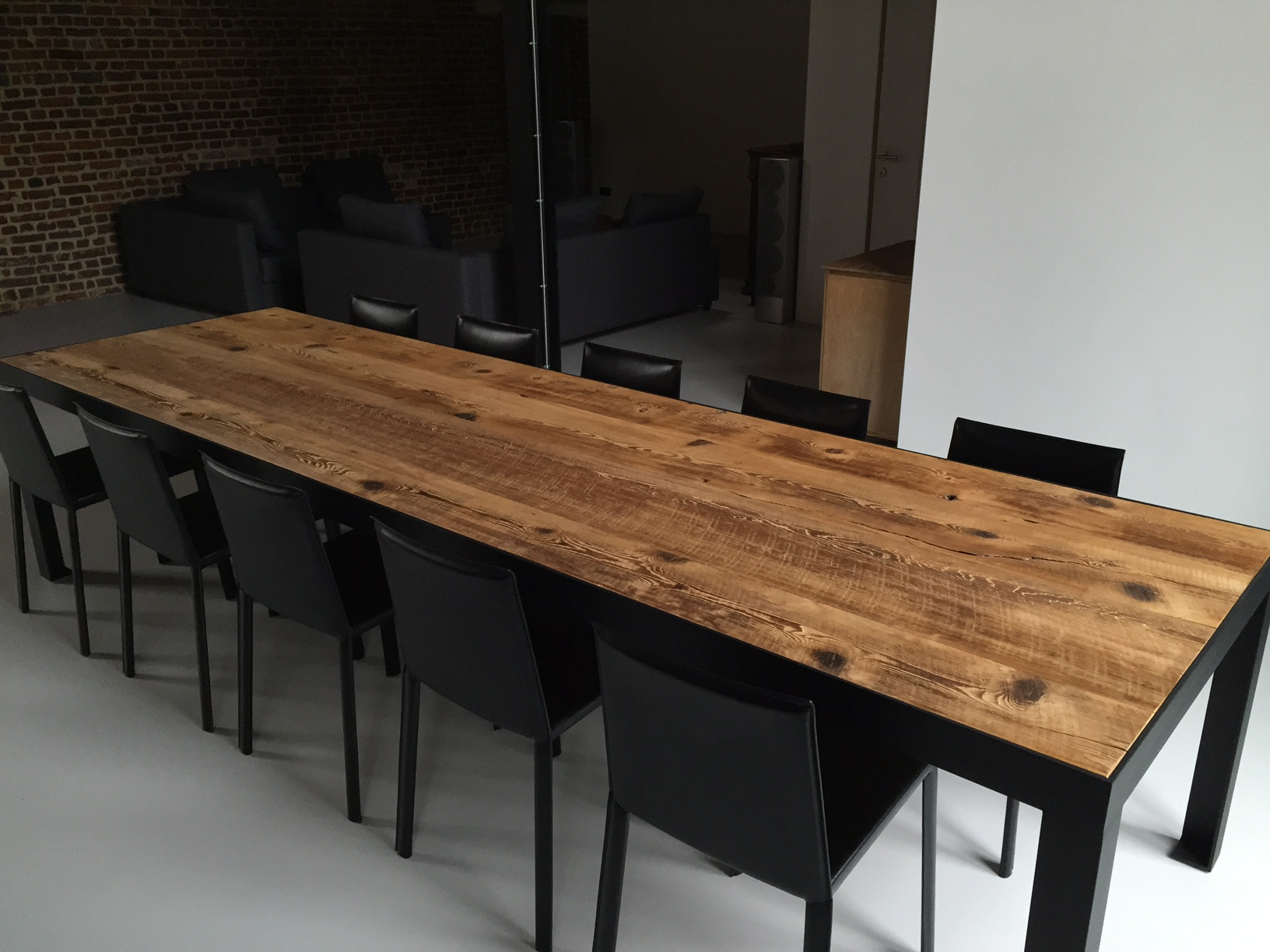 Houten Tafel Stalen Frame.Lange Tafel Oud Hout Thresing Floor Stalen Frame