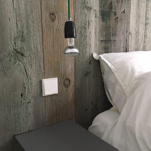 slaapkamer wandbekleding barnwood painted (7)